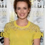 Elizabeth Henstridge Body Measurements Weight Height Bra Size Age & More
