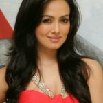Sana Khan Body Measurements Weight Height Bra Size Age & More