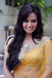 Sana Khan Body Measurements Weight Height Bra Size Age More Body Measurements