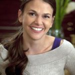 Sutton Foster Body Measurements Weight Height Bra Size Age & More